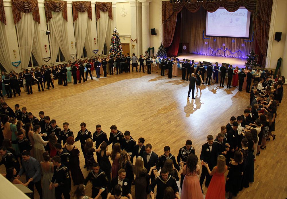 На праздничном вечере курсантов и студентов ГУМРФ имени адмирала С.О. Макарова, посвященном Новому 2018 году: восторг и очарование